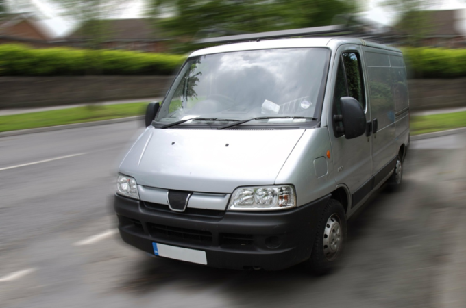How to Choose the Best Man with a Van Deal